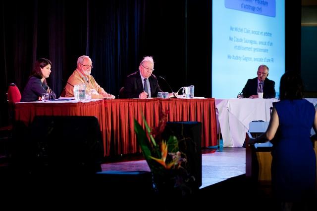 Me Gagnon, un représentant de l'établissement, Me Sauvageau, Me Clair et un représentant de la RI à la barre des témoins